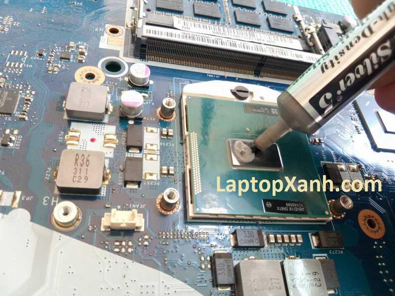 Vệ sinh laptop Acer thay keo tản nhiệt xịn