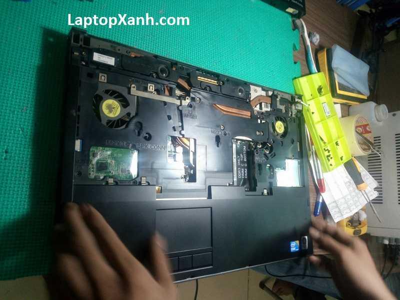Tháo máy vệ sinh laptop dell precision