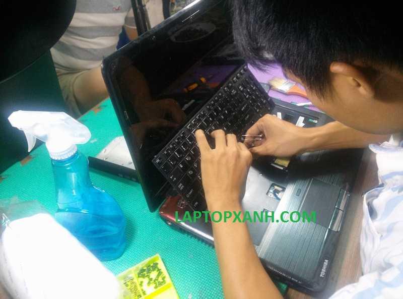 Vệ sinh laptop Qosmio uy tín