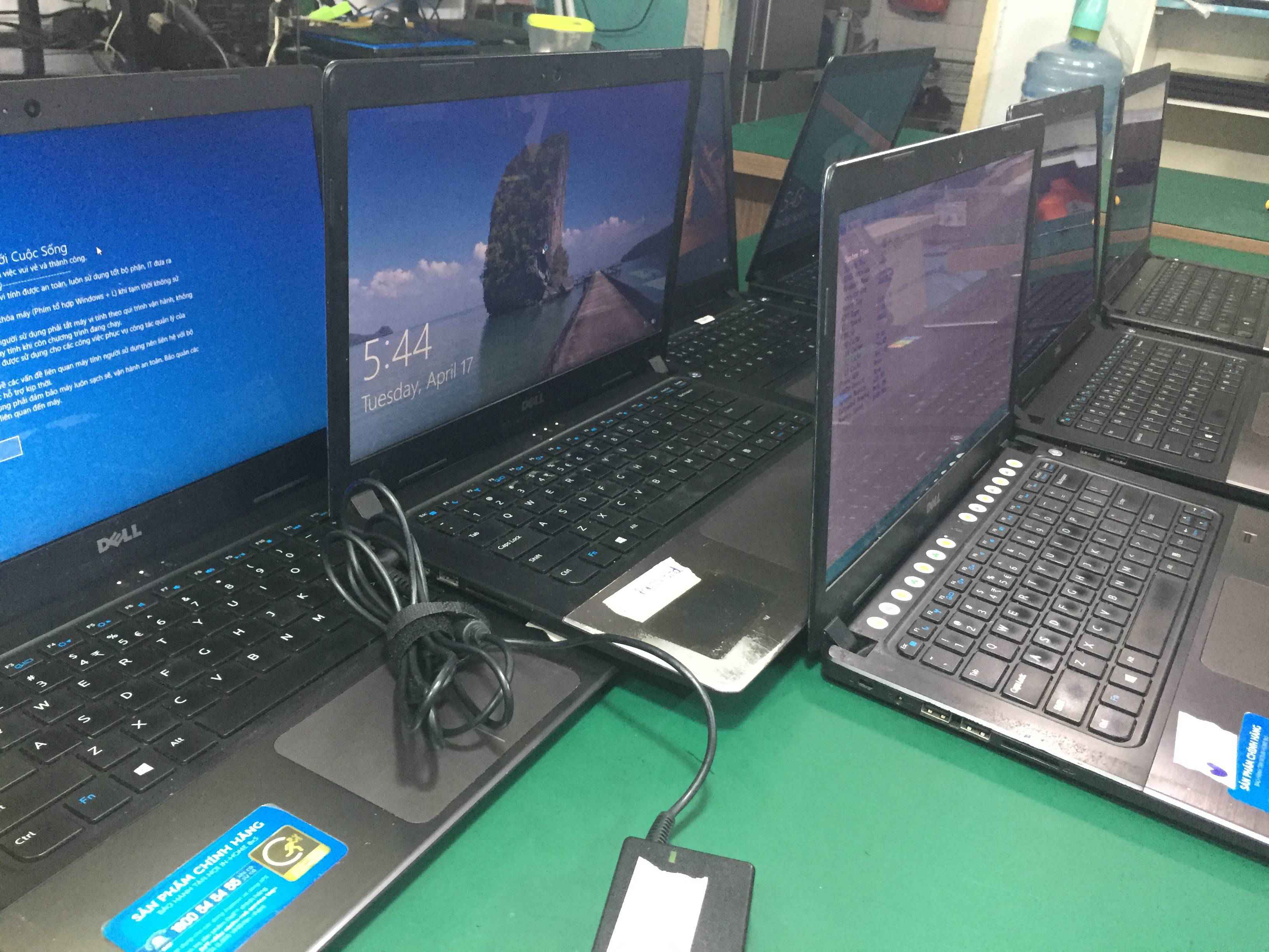 Sửa Bản Lề và Thay Vỏ Laptop DELL Vostro 5470