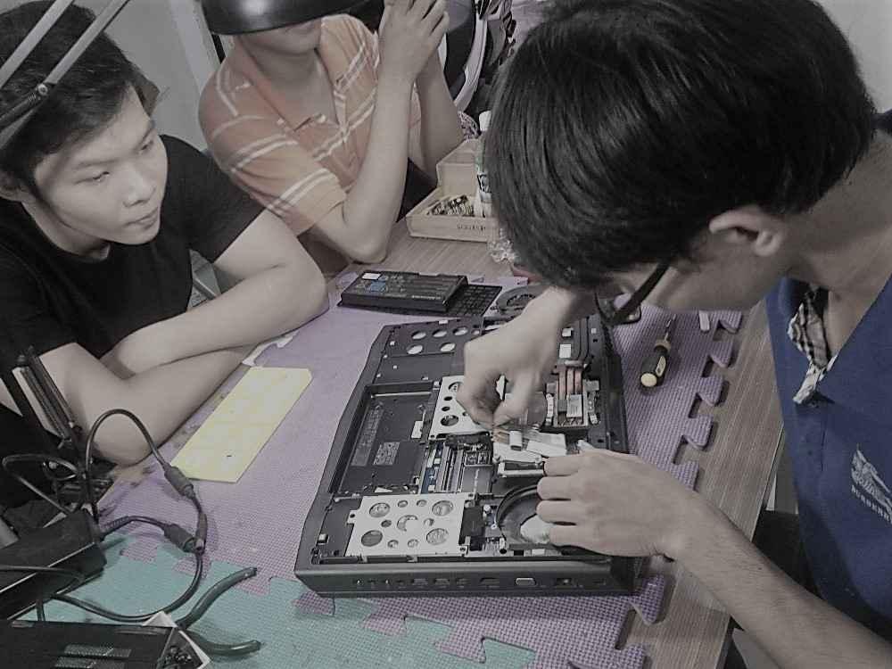 Vệ sinh laptop Alienware uy tín tại TPHCM
